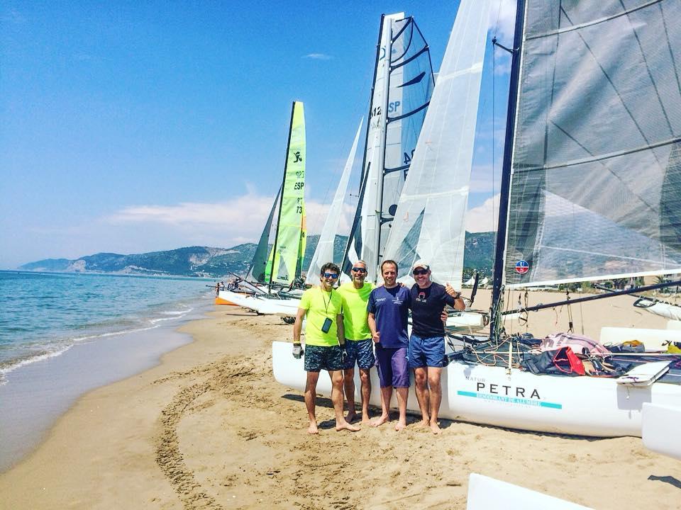 L′equip de catamarans del Club Nàutic de Sitges