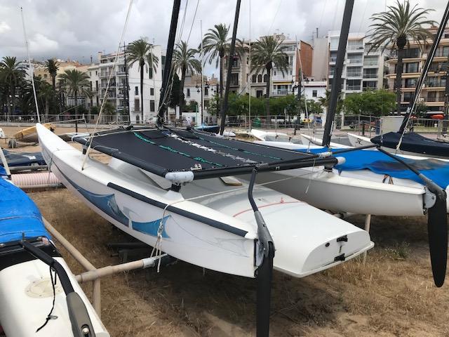 Catamarán Hobie Cat 16 – 1.800 €